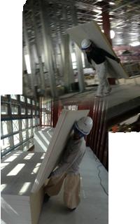建築現場でリフトやエレベータが使えない…運べない…そんな時のために私たちが居ます!